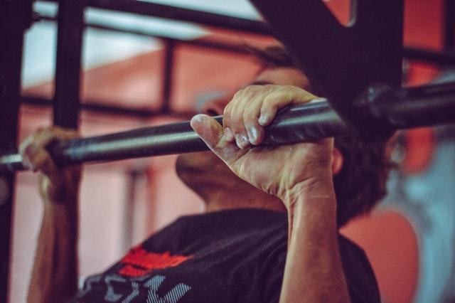 背肌訓練示意圖